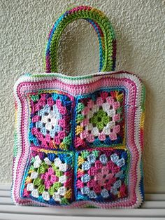 beautiful crochet bag with granny squares by isa304 / ravelry
