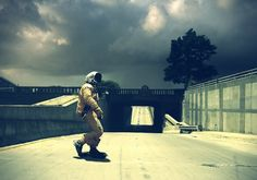 Inspired by very realistic paintings Australian artist Jeremy Geddes, French Bernard Bailly has made quality photographs where astronauts found in some places and settings appropriate to their outfit. • http://www.re-experienced.com/