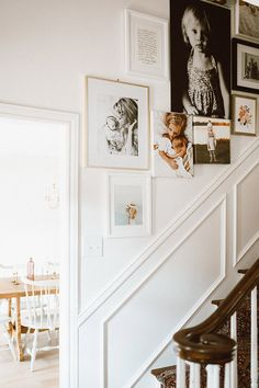 36 Affordable Stairway Gallery Wall Design Ideas To Try Asap Staircase Wall Decor, Entryway Stairs, Stair Decor, Staircase Design, Stairway Gallery Wall, Stairway Photos, Wall Design, House Design, New Wall