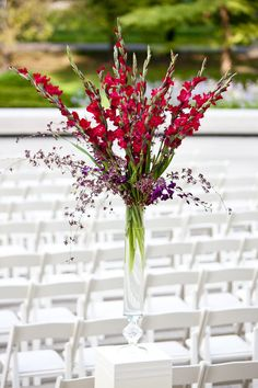 #chicagowedding #chicagoweddingphotos #chicagohistorymuseum #wedding # Floral