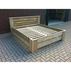Pallet Furniture Designs, Rustic Bedroom Furniture, Wood Pallet Furniture, Rustic Bedding, Bed Furniture, Pallet Wood, Bed Frame Plans, Bed Frame And Headboard, Diy Bed Frame