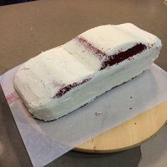 Delicious Arts Bakery: Ferrari California Cake Tutorial