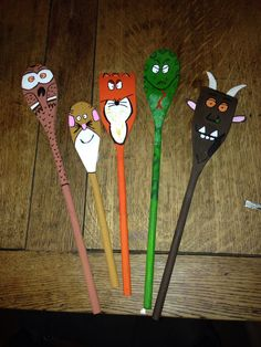 Gruffalo story spoons I made using acrylic paints and sharpies. Gruffalo, Julia Donaldson, literacy, speaking and listening, role play, puppets, story, EYFS, reception.