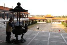 Cotia. Templo Zu Lai. Vista de dentro.