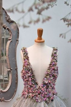 Wedding dress of flowers