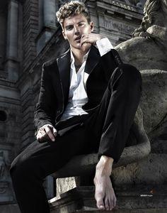 Mikkel-Jensen-Harpers-Bazaar-Mens-Style-China-2015-Fashion-Editorial-004