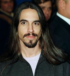 Vintage Anthony Kiedis so hot with his long hair and his facial hair Beautiful Boys, Gorgeous Men, Beautiful People, Anthony Keidis, Foo Fighters Nirvana, John Frusciante, Long Black Hair, Long Hair, Hottest Chili Pepper