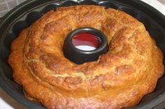 Portakallı Kek tarifimizi 10-12 kişilik olup, tahmini hazırlanış süresi 50 dakikadır. Portakallı kek kolayca hazırlayıp severek yiyeceğiniz bir kek tarifidir. Portakallı Kek için Malze