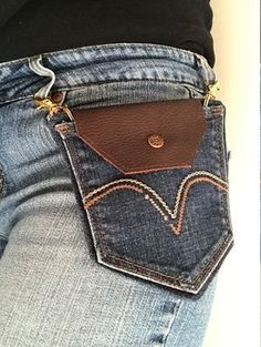 Newest Pictures Denim Pocket Belt Loop Purse Suggestions I really like Jeans ! And even more I like to sew my own Jeans. Next Jeans Sew Along I am likely t Artisanats Denim, Denim Purse, Belt Purse, Tote Purse, Crossbody Bag, Jean Crafts, Denim Crafts, Upcycled Crafts, Repurposed