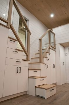 The Charme - Tiny house on wheels for a family - Minimaliste Plan Tiny House, Tiny House Stairs, Tiny House Layout, House Staircase, Small Tiny House, Tiny House Storage, Best Tiny House, Modern Tiny House, Tiny House Cabin