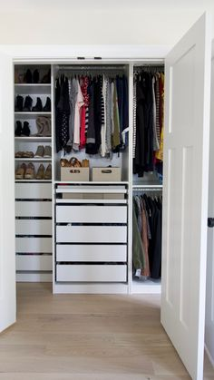 We recently installed the IKEA PAX wardrobe in our master bedroom closet. Here are my top 5 tips to install this DIY closet system. It's a lot of time and effort, but so worth it! schrank videos Tips to Install an IKEA PAX Closet Ikea Pax Closet, Ikea Closet Organizer, Ikea Pax Wardrobe, Diy Wardrobe, Organizing Walk In Closet, Wardrobe Organisation, Wardrobe Design, Drawers In Closet, Walk In Closet Organization Ideas