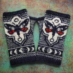 PDF Knitting Pattern - Songbird Mittens Always aspired to figure out how to knit, yet unsure how to start? This Total Beginner Knitting Sequence is exactly what. Crochet Hooks, Crochet Baby, Knit Crochet, Crochet Patterns For Beginners, Knitting For Beginners, Knit Mittens, Mitten Gloves, Knitting Charts, Knitting Patterns