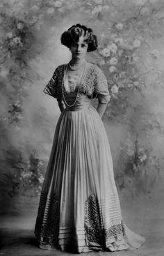 Edwardian Fashion - 1908