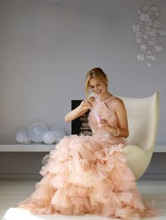 Bubbles for the bride via Martha Stewart.