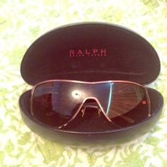 Ralph Lauren bronze sunglasses Hard shell case is included. There is a minor outside rim scratch. Adjustable nose piece Ralph Lauren Accessories Sunglasses