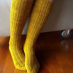 whatshewanted:    nice socks. i approve.  smartgallery:    pnkpk: (by strikker)  So do I!
