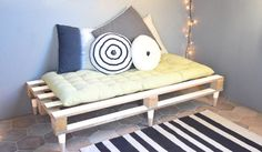 La palette devient banquette ! / DIY sofa.
