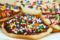 How to Make Sprinkles Stick on Baked Cookies   eHow