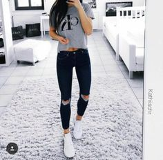 ripped jeans Looks Com Calca, Roupa Chic, Calça Jeans, Looks Femininos,  Guarda 020a7b8434
