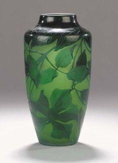 A D'Argental cameo glass vase - GBP 447 - Christie's