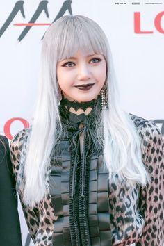 Pretty Asian, Beautiful Asian Girls, Kpop Girl Groups, Kpop Girls, Jisoo Do Blackpink, Divas, Chica Cool, Skater Girl Outfits, Lisa Blackpink Wallpaper