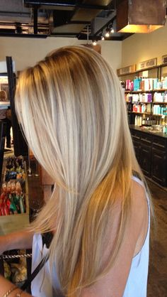 45 Best Balayage Hairstyles for Straight Hair for 2019 balayage long blonde hair The post 45 Best Balayage Hairstyles for Straight Hair for 2019 appeared first on Frisuren Dutt. Balayage Straight Hair, Blonde Balayage, Blonde Ombre, Ombre Hair, Straight Long Hair, Blonde Highlights With Lowlights, Hair Bayalage, Blonde Fringe, Fall Balayage