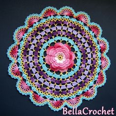 Crochet Roses Crochet Rose Mandala Free Pattern - You will love our post that includes a lovely DIY Crochet Mandala Rug. You will find lots of artistic crochet mandala rugs and free patterns too. Beau Crochet, Crochet Diy, Crochet Home, Thread Crochet, Crochet Crafts, Crochet Projects, Crochet Ideas, Crochet Bags, Crochet Animals