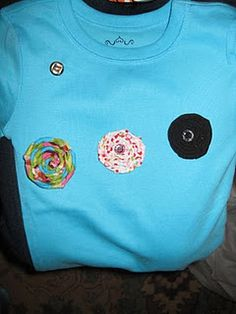 Cute Shirt with Snap On Interchangeable Rosettes