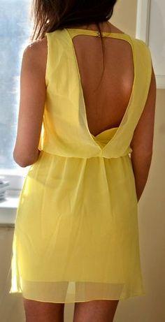Não uso blusas ou vestidos que não podem usar sutian.  Não me sinto segura pelo tamanho do meu seio.