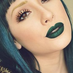 """30 Photos That Prove Makeup Doesn't Have To Be """"Natural"""" To Be Beautiful - if 2015 means green lipstick, I'm strangely ok with it. Makeup Trends, Makeup Tips, Hair Makeup, Makeup Ideas, Green Lipstick, Lipstick Colors, Lip Colors, Nailart, Beauty Games"""
