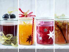 Schnell gemacht und sensationell lecker: Diese weihnachtlichen Bratapfel-, Orangen-, Glühwein- und Cranberry-Marmeladen sind ein unschlagbares Geschenk!