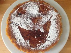 Aprende a preparar tarta de calabaza para Halloween con esta rica y fácil receta. Halloween o la víspera de todos los Santos (como se conoce en España) se celebra la...
