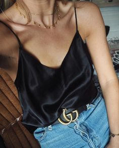 "7,579 Beğenme, 61 Yorum - Instagram'da Lucy Williams | Fashion Me Now (@lucywilliams02): ""The slinkiest, drapiest, most perfect camisole thanks to @rosiehw and @paige. More favourite pieces…"""