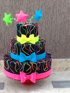 New birthday cake ideas for teens neon glow party 36 Ideas Neon Birthday Cakes, Birthday Party For Teens, Sweet 16 Birthday, Birthday Ideas, Birthday Nails, Happy Birthday, Party Desserts, Party Cakes, Bolo Neon