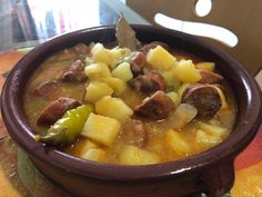 Patatas a la Riojana. Simplemente, geniales. Chili, Pork, Ethnic Recipes, Sweet, Homemade Recipe, Potatoes, Homemade, Kale Stir Fry