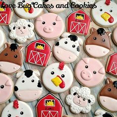 Oink Oink, Moo Moo a very Happy Birthday to you! (Barn, cow and horse are made from modified Sweet Sugarbelle cutters! Cow Birthday Parties, Farm Birthday Cakes, Farm Animal Birthday, Birthday Cookies, Happy Birthday, 2nd Birthday, Farm Themed Party, Barnyard Party, Farm Party