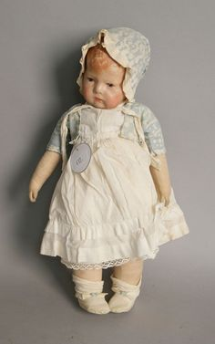 Vintage Kathe Kruse doll. At the top of my wish list!