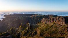 Pico do Arieiro: voir l'incroyable lever de soleil de Madère - via Miles & Love 23.06.2015 |  #Madeira #Portugal Photo: Paysage montagneux de Madère