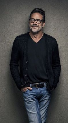 The incredibly handsome, Jeffrey Dean Morgan Hot Men, Sexy Men, Older Mens Fashion, Mens Fashion Over 50, Men's Fashion, Mode Man, Outfits Hombre, Jeffrey Dean Morgan, Herren Outfit