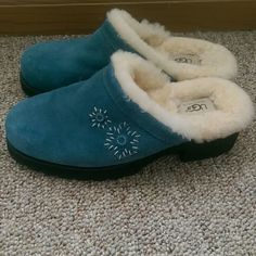 Ugg Clogs Mint condition!  I only wore these twice and it was in the house.  No holes. No stains.  Thick soles are in fabulous condition.  These can be worn outside.  Super warm and incredibly comfortable!  These say they are a size 10, but these fit me perfect at a size 8. ⚠Single item offers thru offer tab only/bundles recieve 15% off using bundle feature⚠ ❌No trades ❌No other sites ❌No pay pal UGG Shoes Mules & Clogs
