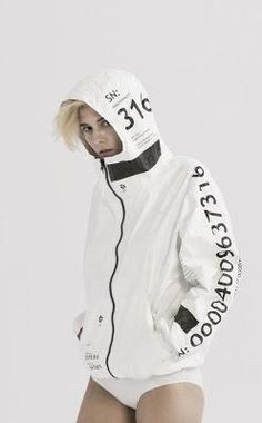 apparel made of tyvek paper by ueg :: via iain claridge Sport Outfits, Cool Outfits, Fashion Outfits, Mode Streetwear, Streetwear Fashion, Paper Clothes, Hoodie Pattern, Future Fashion, Active Wear For Women