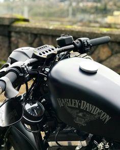 27 Ideas Cool Motorcycle Accessories Harley Davidson For 2019 Harley Davidson Iron 883, Harley 883, Harley Davidson Knucklehead, Harley Bobber, Classic Harley Davidson, Bobber Motorcycle, Harley Davidson Motorcycles, Motorcycle Garage, Harley Softail