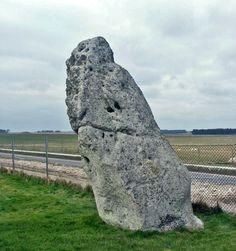 Heelstone - Stonehenge - Wikipedia, the free encyclopedia