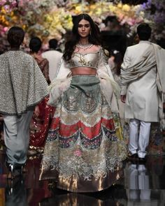 Couture Mode, Couture Fashion, Designer Wear, Designer Dresses, Indowestern Lehenga, Lace Skirt, Sequin Skirt, Pakistan Street Style, Full Face Makeup
