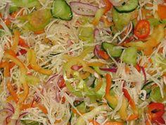 Gyomro-sokk: Egy csalamádé színorgiája Healthy Salads, Healthy Eating, Healthy Recipes, Canning Recipes, Salad Recipes, Czech Recipes, Fermented Foods, Food To Make, Food And Drink