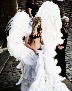 The Day has arrived...!!! @VictoriasSecret Angels are ready to seduce you..! #VSFashionShow