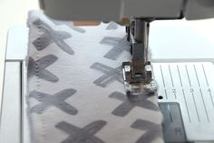 DIY: Bijtring - My Simply Special Shibori, Baby Sewing, Diys, Janus, Couture, Diy Clutch, Projects To Try, Atelier, Craft Work
