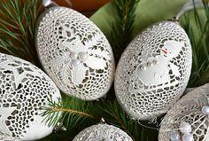 zimowe dekoracje gęsie skorupki goose egg shells made by Bogusława Justyna Goleń Ażurowe Pisanki