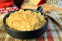 Everyone loves macaroni and cheese. This is a fast, easy way to make it. The time from stove top to table is short.