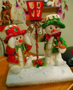 Discover recipes, home ideas, style inspiration and other ideas to try. Christmas Arts And Crafts, Felt Christmas Decorations, Xmas Crafts, Christmas Snowman, Christmas Projects, Diy And Crafts, Christmas Ornaments, Holiday Decor, 242